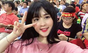 Nữ cổ động viên xinh đẹp gây chú ý ở trận đấu Việt Nam - Afghanistan