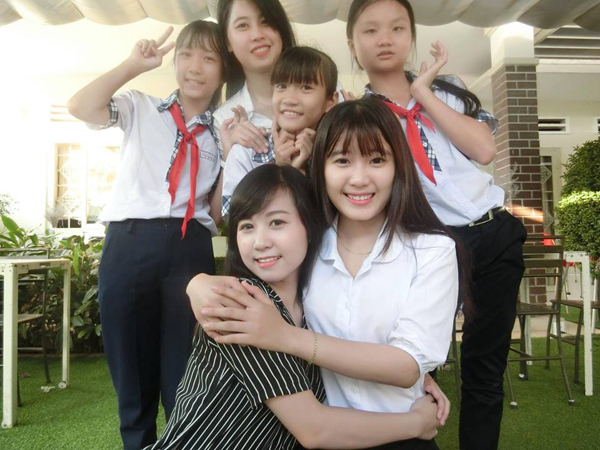 nhung-co-giao-9x-xinh-chang-kem-hoa-hau-6