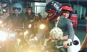 Kelvin Khánh rước cô dâu Khởi My bằng mô-tô độc lạ