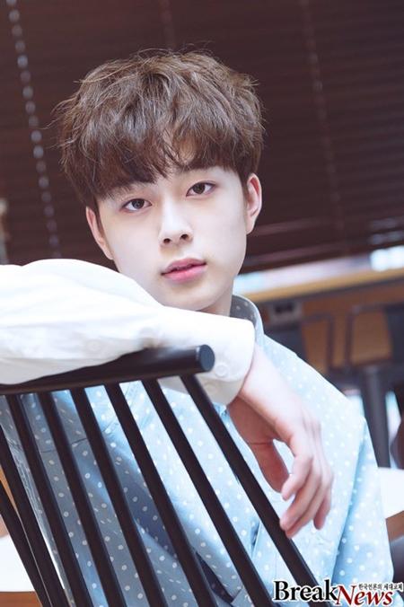7-thuc-tap-sinh-cuc-hot-duoc-fan-kpop-mong-cho-debut-3