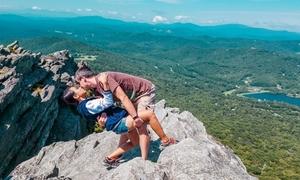 Cặp đôi yêu xa 12.000 km hành động 'kỳ quặc' mỗi lần gặp nhau