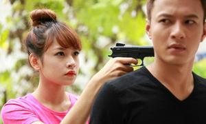 Hot girl đóng phim: Người một phút thành sao, kẻ mãi không nổi