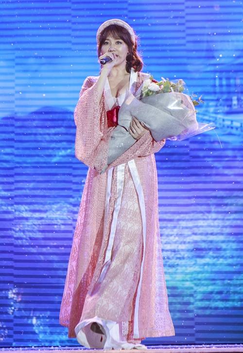 phan-ung-cua-hari-won-khi-fan-hoi-bao-gio-sinh-em-be-8