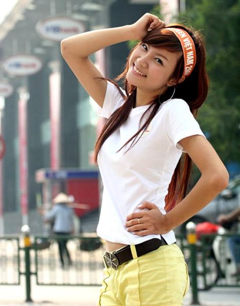 hanh-sino-lot-xac-ca-ngoai-hinh-lan-giong-hat-sau-gan-10-nam