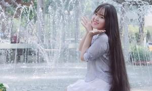 Cô gái Sài thành kiếm tiền nhờ mái tóc dài gần 2 m