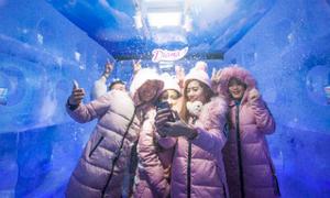 Giới trẻ cả nước trải nghiệm nhà băng -5 độ C