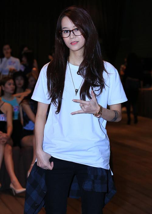 hot-girl-viet-len-doi-dang-cap-thoi-trang-du-tiec-tu-khi-vao-showbiz-4