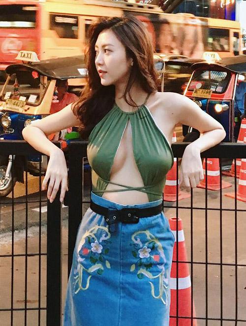 nhung-hot-girl-viet-bi-nghi-theo-trao-luu-nang-cap-vong-mot-3