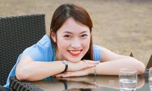 Hot girl 'bắn' 7 thứ tiếng khoe tài đàn hát hit của Chi Pu