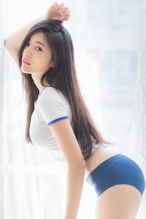 hot-girl-thai-lan-gay-sot-voi-than-hinh-chu-s-sieu-goi-cam-1