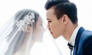 Ảnh cưới lung linh của Quế Ngọc Hải với vợ hoa khôi