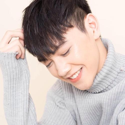 hot-boy-dang-gay-thuong-nho-voi-loat-cover-hit-vpop-3