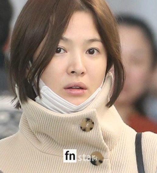song-hye-kyo-lo-mat-moc-met-moi-moi-nut-ne-o-san-bay