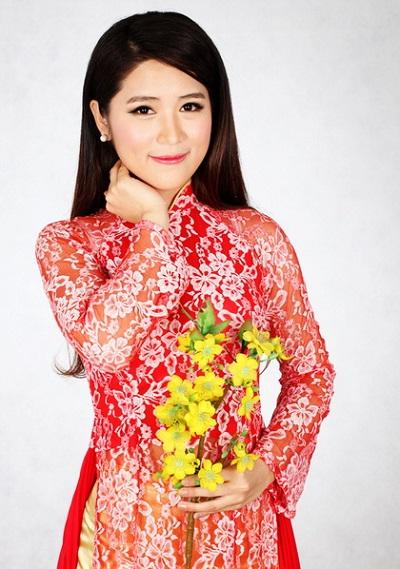 nhung-hot-girl-ngoai-quoc-hat-tieng-viet-hot-nhat-facebook-3