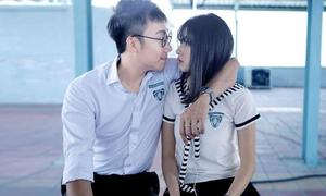 Cặp đôi 'Phim cấp 3' yêu nhau từ trên phim đến đời thực
