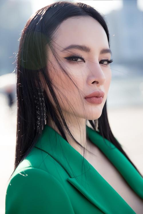 Angela Phương Trinh hài lòng về hình ảnh sang chảnh, kiêu kỳ 2017