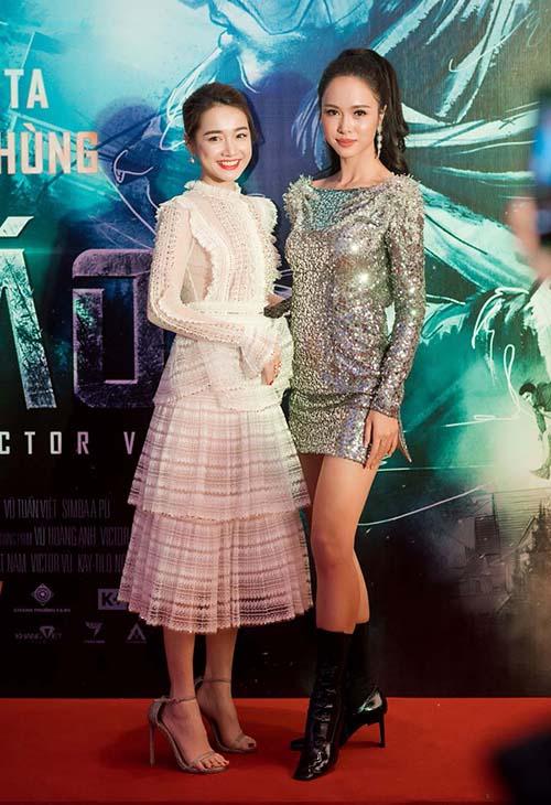 Mỹ nhân Việt đầu tư váy áo đẹp nhưng không kiếm nổi giày vừa chân