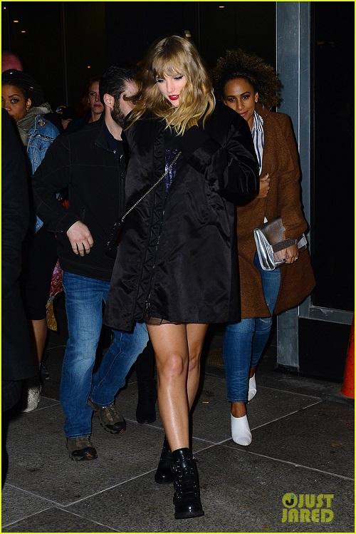 Khác với thân hình cò hương ngày trước, Taylor của ngày hôm nay đã trở nên phì nhiêu, đẫy đà hơn hẳn với cặp đùi to lên trông thấy.