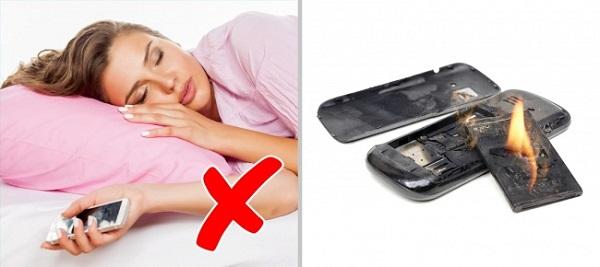 Bạn đã mắc sai lầm nếu để điện thoại ở 8 vị trí này