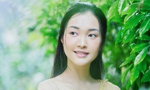 'Nàng thơ' Ngọc Trân đẹp dịu dàng đầy chất Huế
