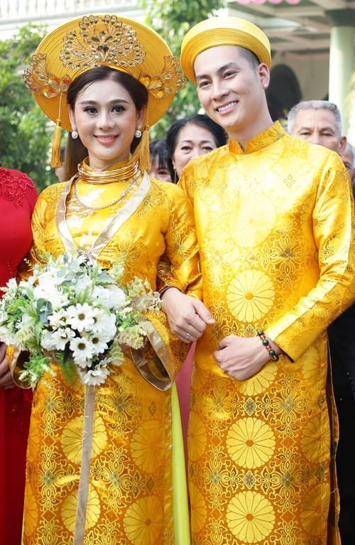 Lâm Khánh Chi được nhà chồng tặng 6 kiềng vàng - 8