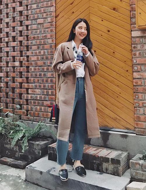Quỳnh Anh Shyn diện quần jeans 101 cách 'chất chơi hết phần thiên hạ'