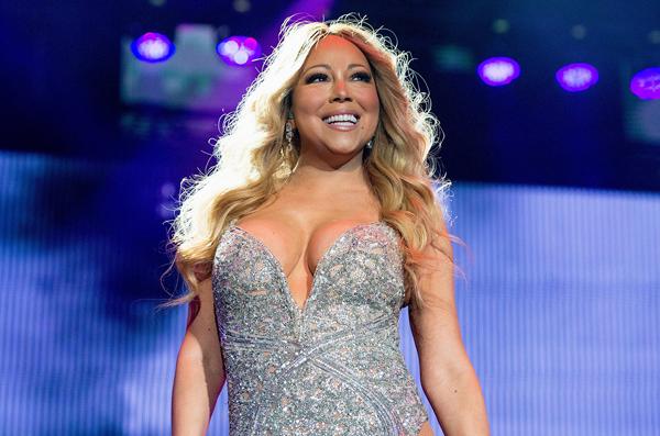 Nữ ca sĩ Mariah Carey để lại dấu ấn đặc biệt với ca khúc Auld Lang Syne.