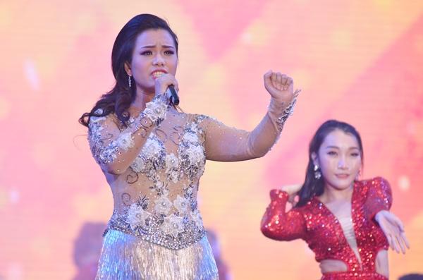 Sao Việt cháy hết mình cùng sao quốc tế trong đêm nhạc đón năm mới - 6
