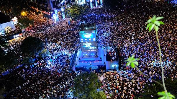 Sao Việt cháy hết mình cùng sao quốc tế trong đêm nhạc đón năm mới