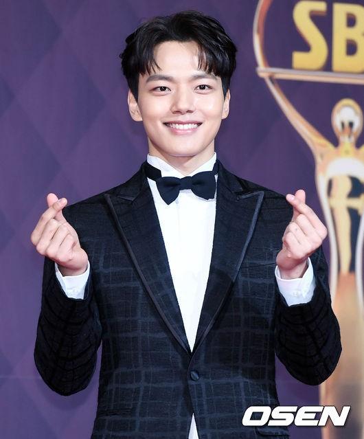 Yeo Jin Goo giờ đây đã thoát mác diễn viên nhí, trở thành một nam tài tử lịch lãm, điển trai.