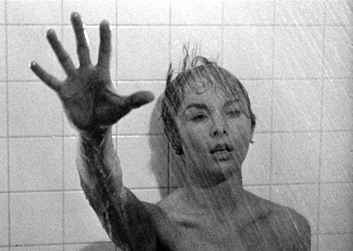 Tạm dừng đúng khoảnh khắc, khán giả phát hiện ra hình ảnh kinh dị trong Psycho - 1