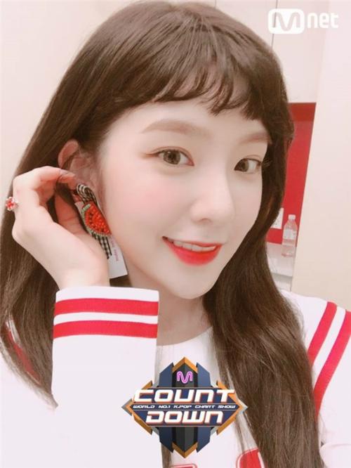 Irene để tóc mái: Khi bị chê thảm họa, khi được khen như nữ thần - 2