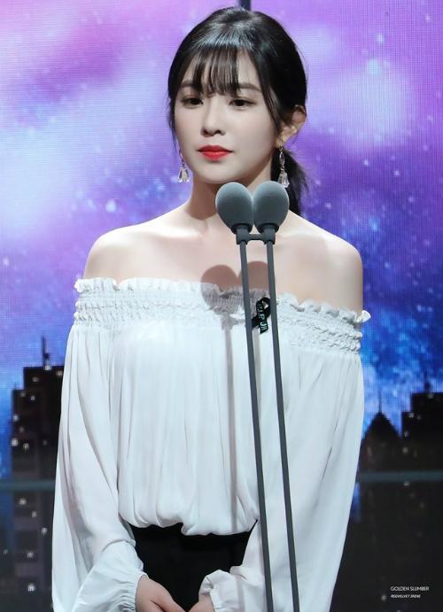 Irene để tóc mái: Khi bị chê thảm họa, khi được khen như nữ thần - 9