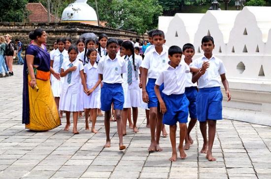 Dạo quanh thế giới ngắm nghía đồng phục học sinh (2) - 3