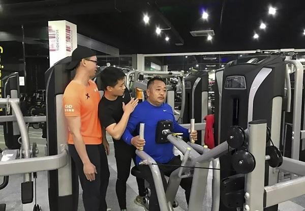 Cả gia đình tập gym và thay đổi ngoạn mục sau 6 tháng - 5