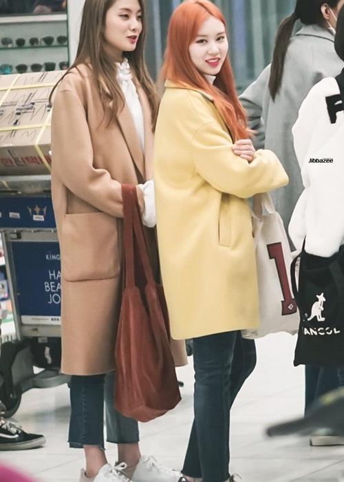 Suzy khoe mặt mộc, Twice trùm kín mít đi làm dịp năm mới - 6