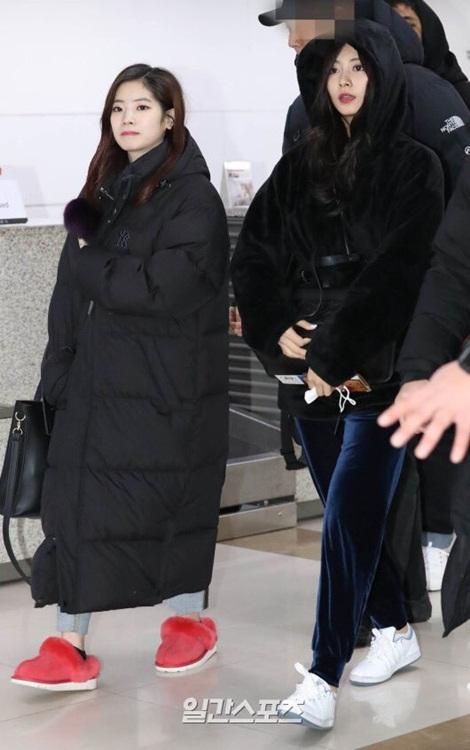Suzy khoe mặt mộc, Twice trùm kín mít đi làm dịp năm mới - page 2 - 2
