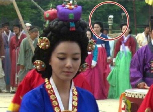 Những lỗi ngớ ngẩn trong phim Hàn khiến bạn khó nhịn cười - 9