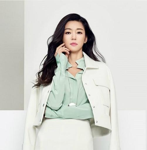 Loạt sao trẻ mãi không già của showbiz Hàn Quốc - 3