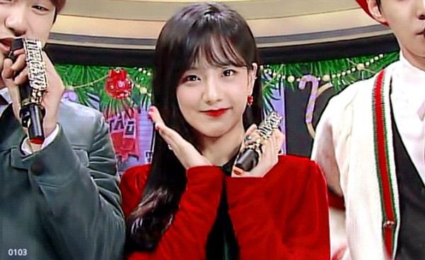 6 mỹ nhân Kpop để tóc mái: Người được khen, kẻ bị dìm nhan sắc - 2