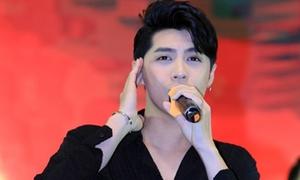 Noo Phước Thịnh hủy diễn vì bị ném ly lên sân khấu