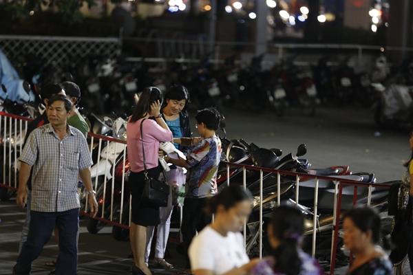 Phe vé hét giá cao gấp đôi tại liveshow 6 tỷ đồng của Quang Lê - 3