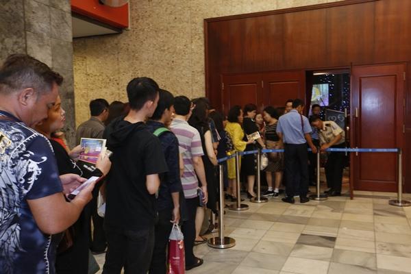 Phe vé hét giá cao gấp đôi tại liveshow 6 tỷ đồng của Quang Lê - 4