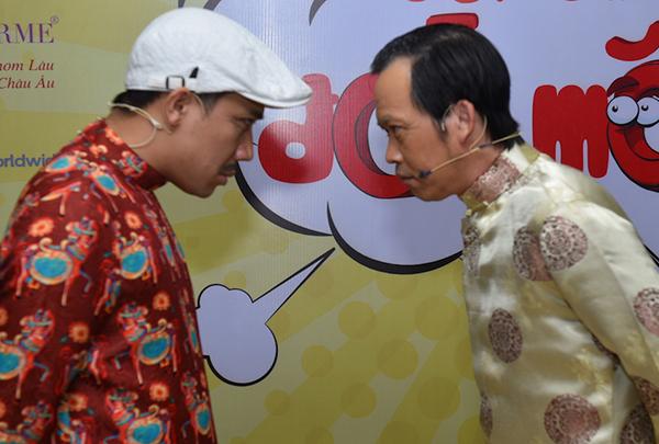 Hoài Linh gặp tai nạn trên sân khấu liveshow - 5