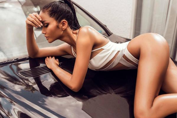 Vẻ đẹp nóng bỏng của Hoa hậu Hoàn vũ Việt Nam HHen Niê - 10