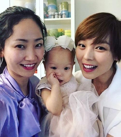 Fan Kpop thấy mình đã già khi các idol này lập gia đình, sinh con - 6