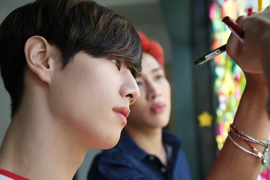 10 idol Kpop sống nội tâm - 7