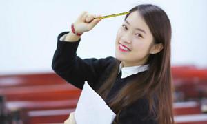 Hot girl Khánh Vy gây bất ngờ với khả năng 'bắn' rap bằng tiếng Anh