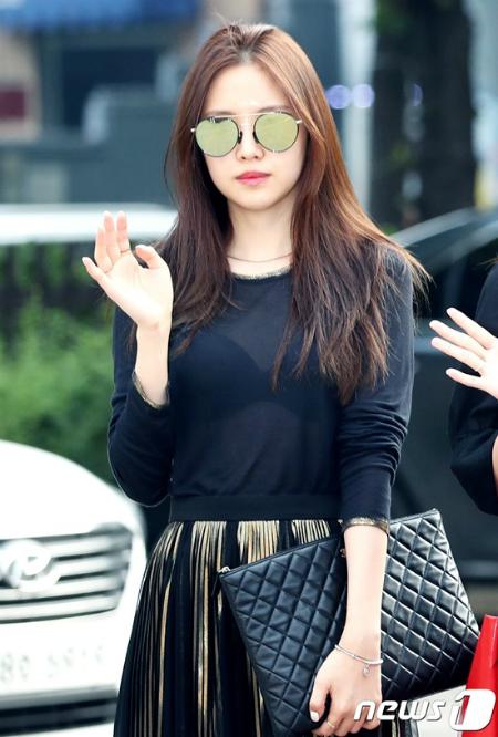 10 idol Kpop sống nội tâm - 2