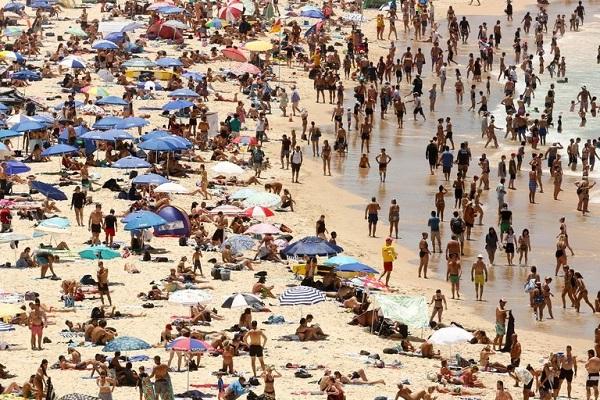 Người Mỹ tê cóng vì lạnh, người Úc héo hon dưới nắng gắt 47 độ C - 3